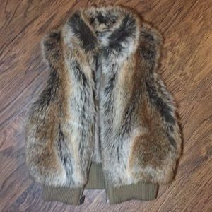 Copper Key | Girls Faux Fur Vest | Sz: 7/8